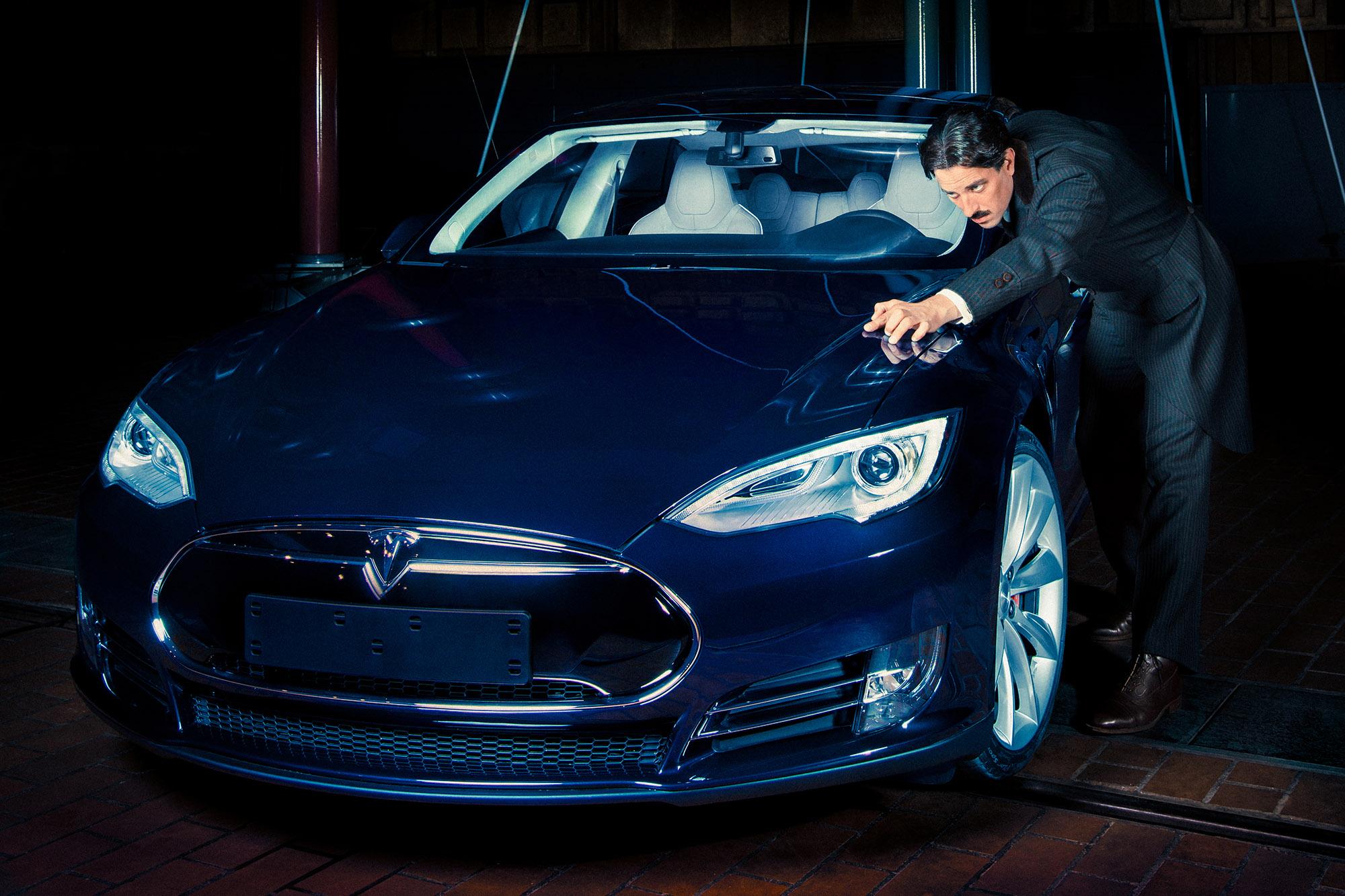 Mateo Moem Tesla